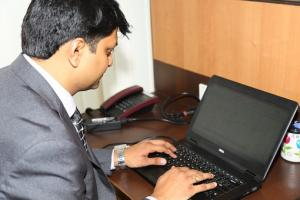 Zaciąganie kredytu przy pomocy karty płatniczej